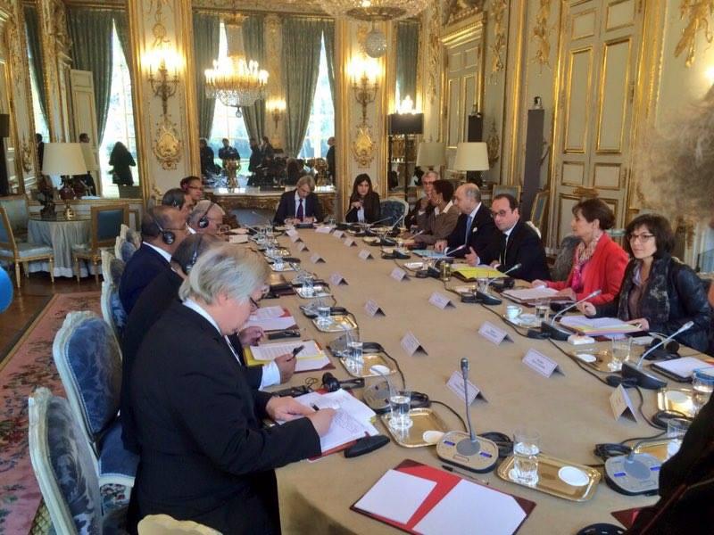 Les représentants des Etats des îles de Micronésie en entretien avec François Hollande ©TF
