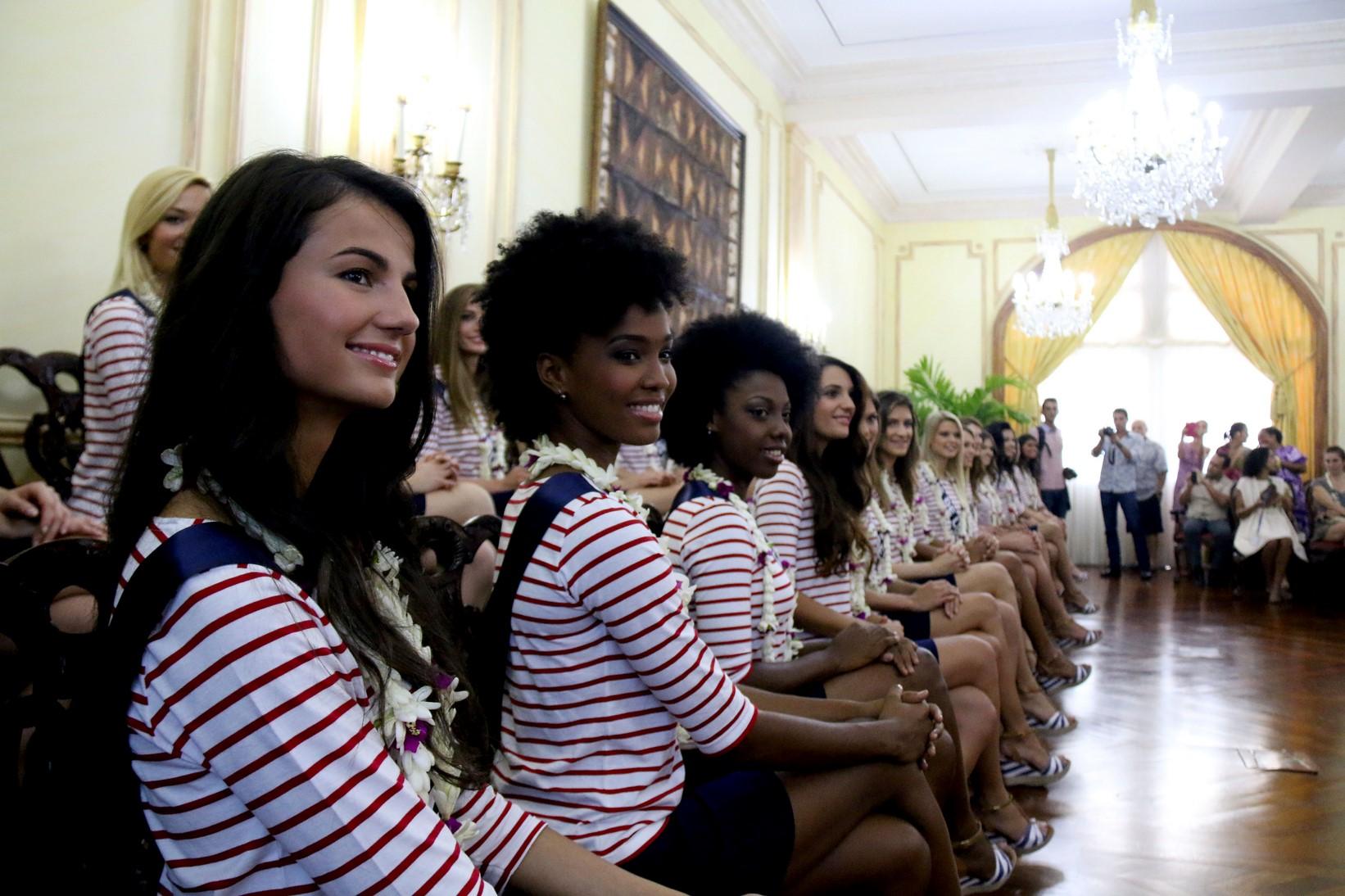 Les Miss France dans le palais de la Présidence ©Karim Mahdjouba pour TNTV