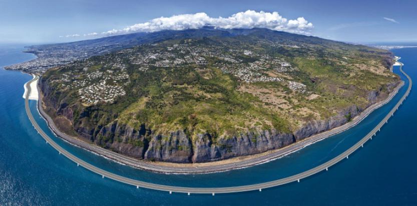 La Nouvelle route du Littoral, chantier débuté en 2012, à La Réunion ©L. de Gebhardt / Lestudio 360.fr