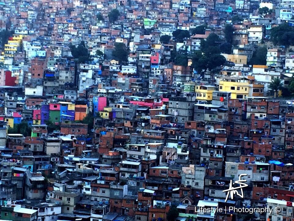 Les Favelas de Rio de Janeiro au Brésil ©Maui Neri