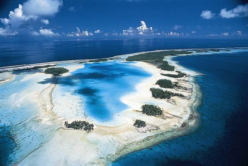 Majoritairement composée d'atolls culminant à 3 mètres au-dessus du niveau de l'Océan, la Polynésie craint la montée des eaux qui ferait se déplacer les populations insulaires ©Tahiti Tourisme