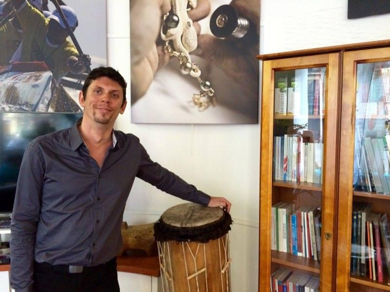 Ethno-linguiste et mordu par la Polynésie, Alexandre Juster vous attend, tous les mardi, à la Délégation de la Polynésie française à Paris ©TF