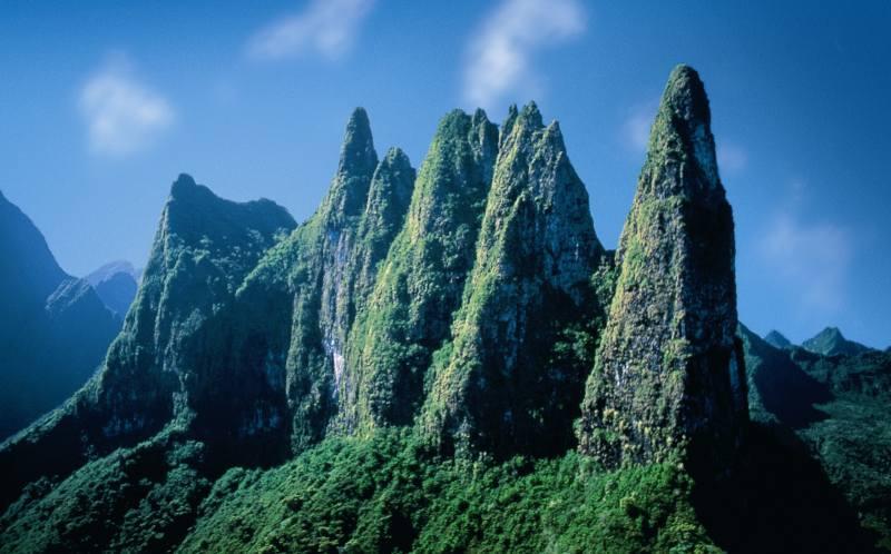 La Polynésie française veut en finir avec les cartes postales et montrer la diversité de ses paysages. Ici, le Mont Diadème qui domine la ville de Papeete ©DR