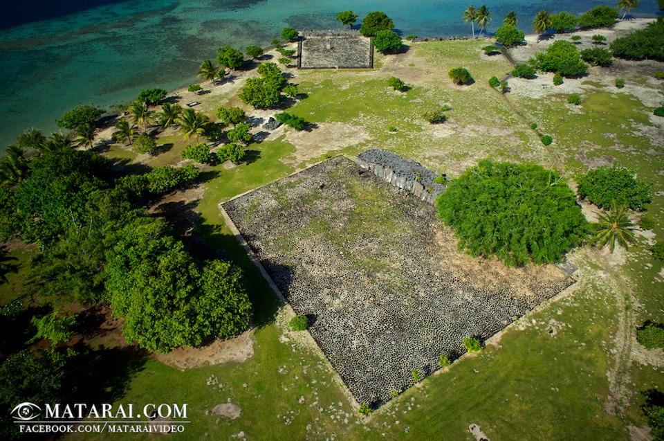 Le Marae de Taputapuatea, ancien lieu de culte et centre culturel, politique, religieux et spirituel de la grande Polynésie ©Matarai
