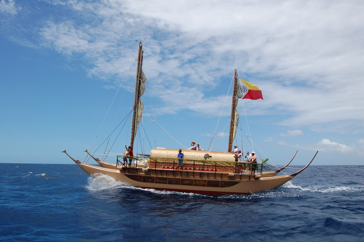 La pirogue ancestrale polynésienne, symbole encore vivant de la grande conquête des îles du Pacifique ©DR