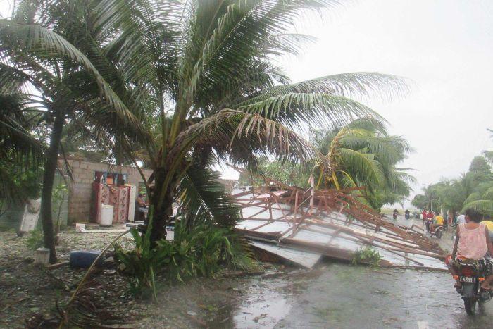 Ula a fait de nombreux dégâts aux îles Tonga ©Tusi Finikaso