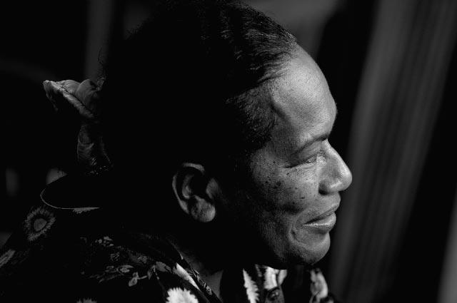 Déwé Gorodé, l'écrivaine indépendantiste Kanak, est une des références ultramarines de Chantal Spitz ©Wikipeacewomen
