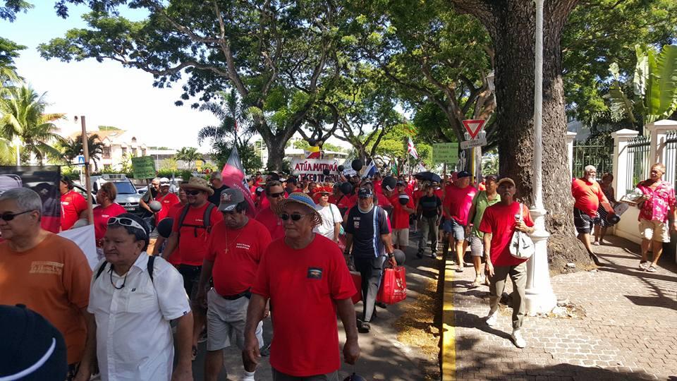 Environ 200 manifestants ont battu la pavé, ce mardi à Papeete. Pas des militants, mais des Polynésiens qui souhaitent un référendum sur les conséquences des essais nucléaires et d'éventuelles réparations de la part de l'Etat français ©Facebook Association 193