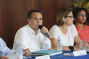 Didier Robert lors de la conférence de presse sur la présentation des orientations budgétaires de la mandature actuelle © Région Réunion