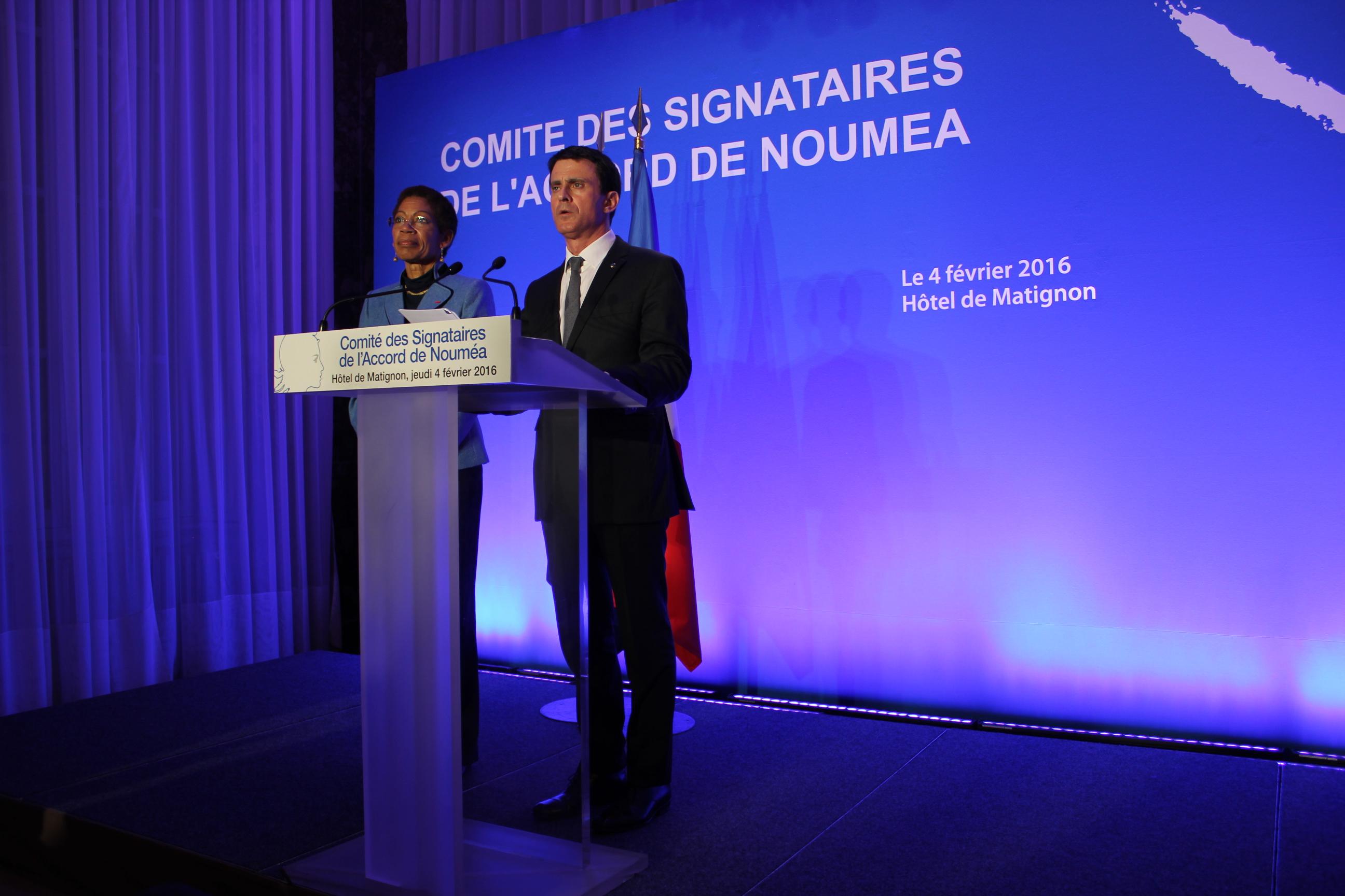 Manuel Valls et George Pau-Langevin, lors du dernier Comité des signataires des Accords de Nouméa ©Tenahe F.