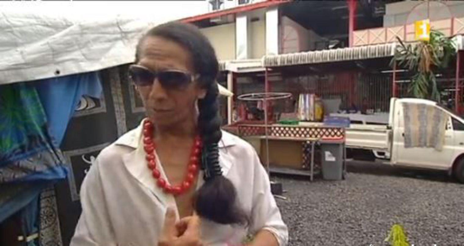 Coco est un des deux SDF interrogés par Polynésie 1ère et qui vit dans un abri de fortune aux abords du Marché de Papeete ©Capture d'écran / Polynésie 1ère