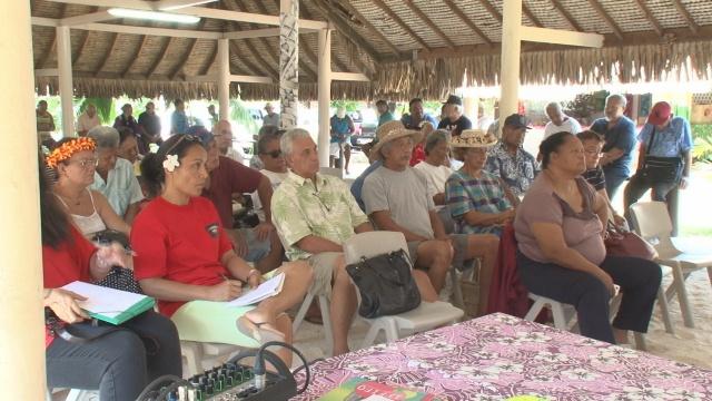 En amont de la visite de François Hollande en Polynésie française, les habitants de Hao s'étaient mobilisés afin d'obtenir des réponses quant à la dépollution de leur atoll, qui a servi de base arrière lors des essais nucléaires français ©TNTV