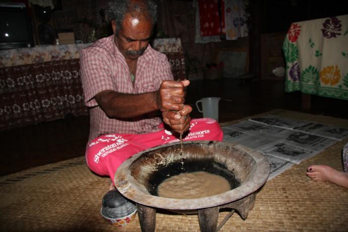 """Un """"nakamal"""", bar à Kava, sur l'île de Lifou en Nouvelle-Calédonie ©Marc Heard / Creative Common"""