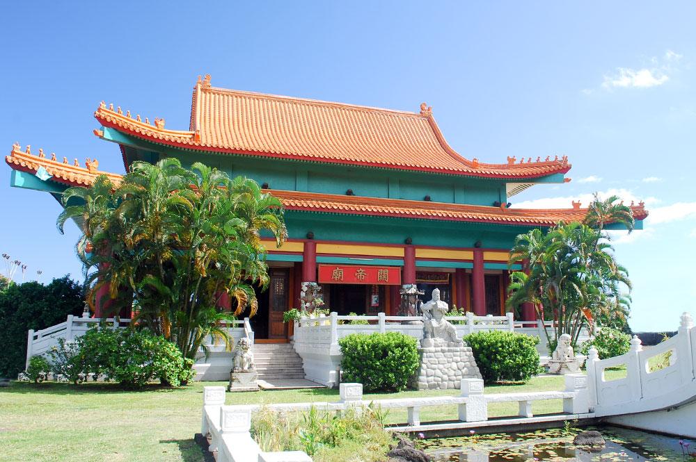 Le Temple Kanti, à l'entrée Est de Papeete, est un des hauts lieux de la Communauté chinoise polynésienne ©Tahiti Heritage