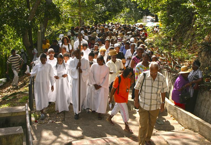 Un chemin de croix lors du Vendredi Saint aux Abymes (Guadeloupe)