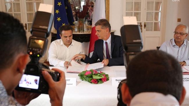 Mercredi 30 mars, le Préfet de La Réunion et le Président du Conseil régional ont signé la convention du plan 500.000 formations supplémentaires ©Imaz Press Réunion
