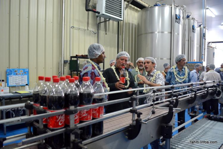 Quelques ministres polynésiens ont répondu présents à la présentation du nouveau Tahitien Cola et de la nouvelle usine de la Brasserie de Tahiti ©Tahiti-infos