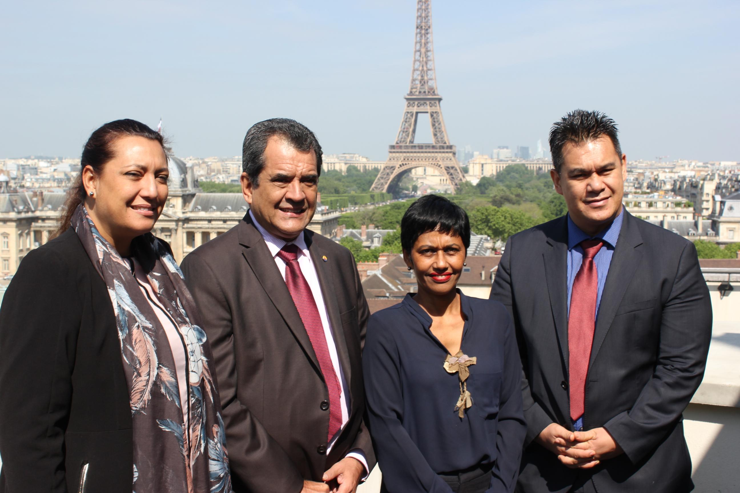 En mission à Paris en mai dernier, Edouard Fritch avait rencontré la Secrétaire d'Etat à l'Egalité réelle Ericka Bareigts ©Tenahe Faatau / Outremers360