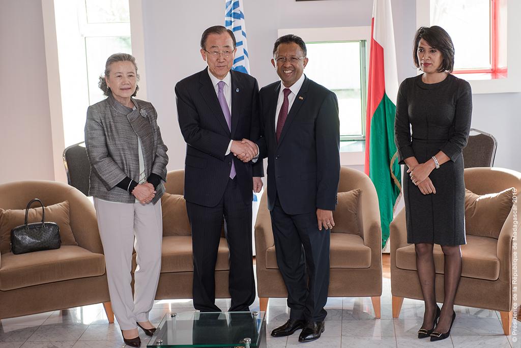 Ban Ki-moon, accompagné par son épouse, a rencontré le Président de Madagascar et son épouse, également ministre des Affaires étrangères ©Présidence de la République de Madagascar
