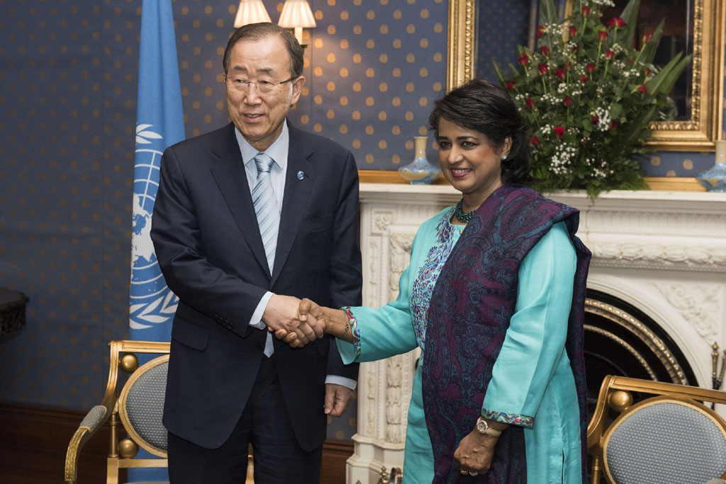 Ban Ki-moon avait rencontré Ameenah Gurib-Fakim, Présidente de la République de Maurice, à New York, le 22 avril ©Mark Gurten / ONU