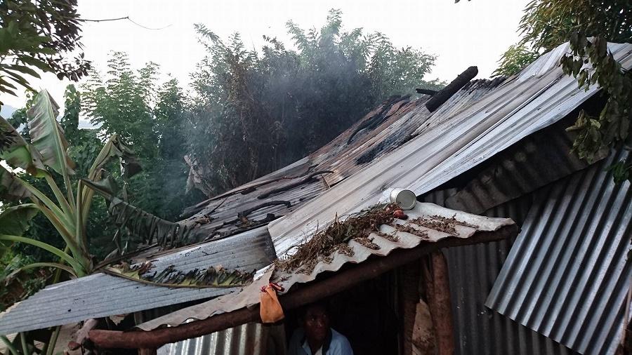 Les collectifs villageois sont allés jusqu'à brûler les maisons d'immigrés comoriens ©Habarizacomores.com