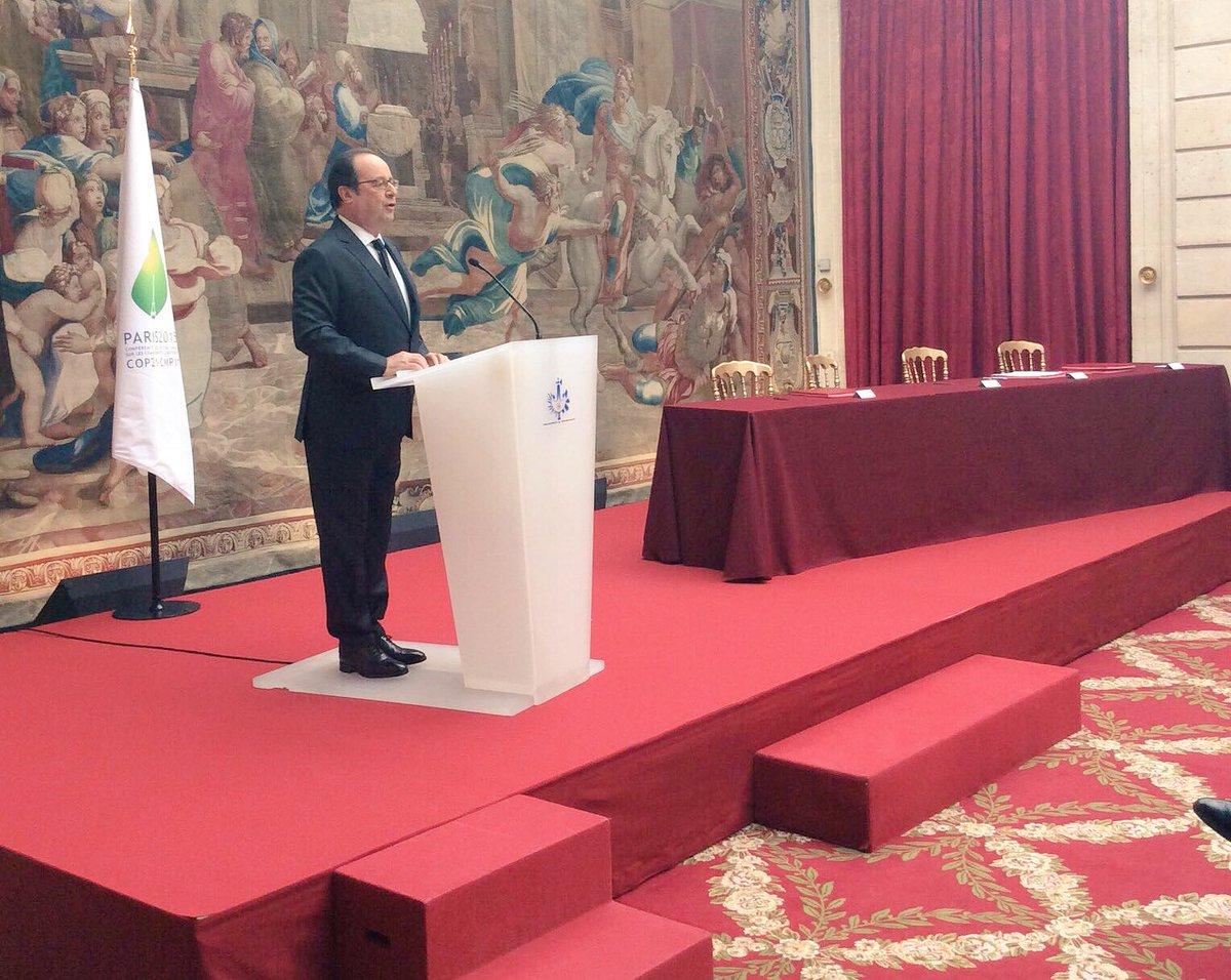François Hollande, aujourd'hui à l'Elysée, pour la promulgation de la Loi autorisant la ratification des accords par la France ©DR