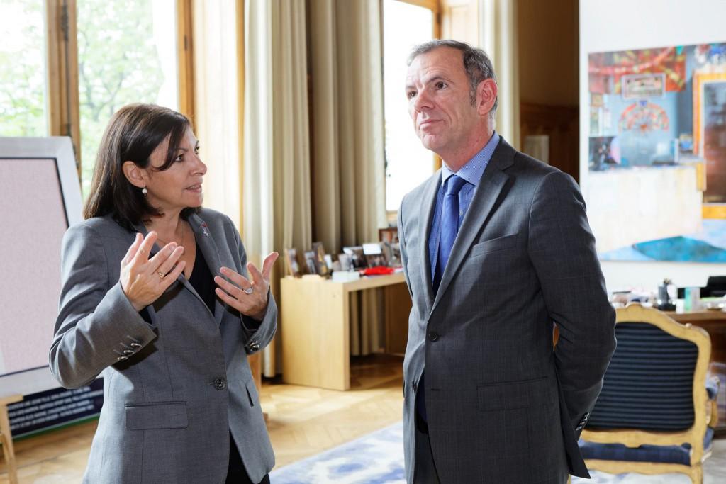 Eric Hélard, à l'initiative de la proposition de remise de l'arbre de la liberté avec Anne Hidalgo, la Maire de Paris ©Alain Garat-Mairie de Paris