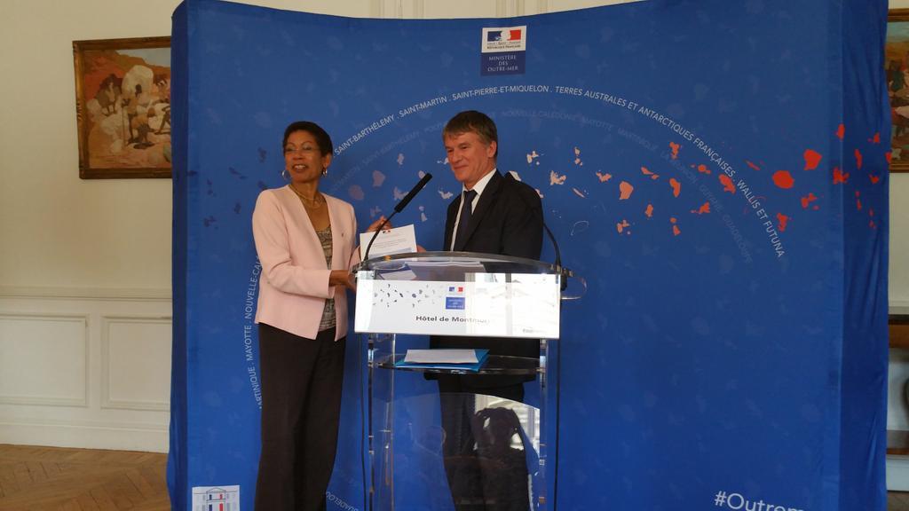 """Le Député Dominique Folliot a remis hier à la Ministre George Pau-Langevin le rapport sur """"la valorisation de l'île Clipperton"""""""