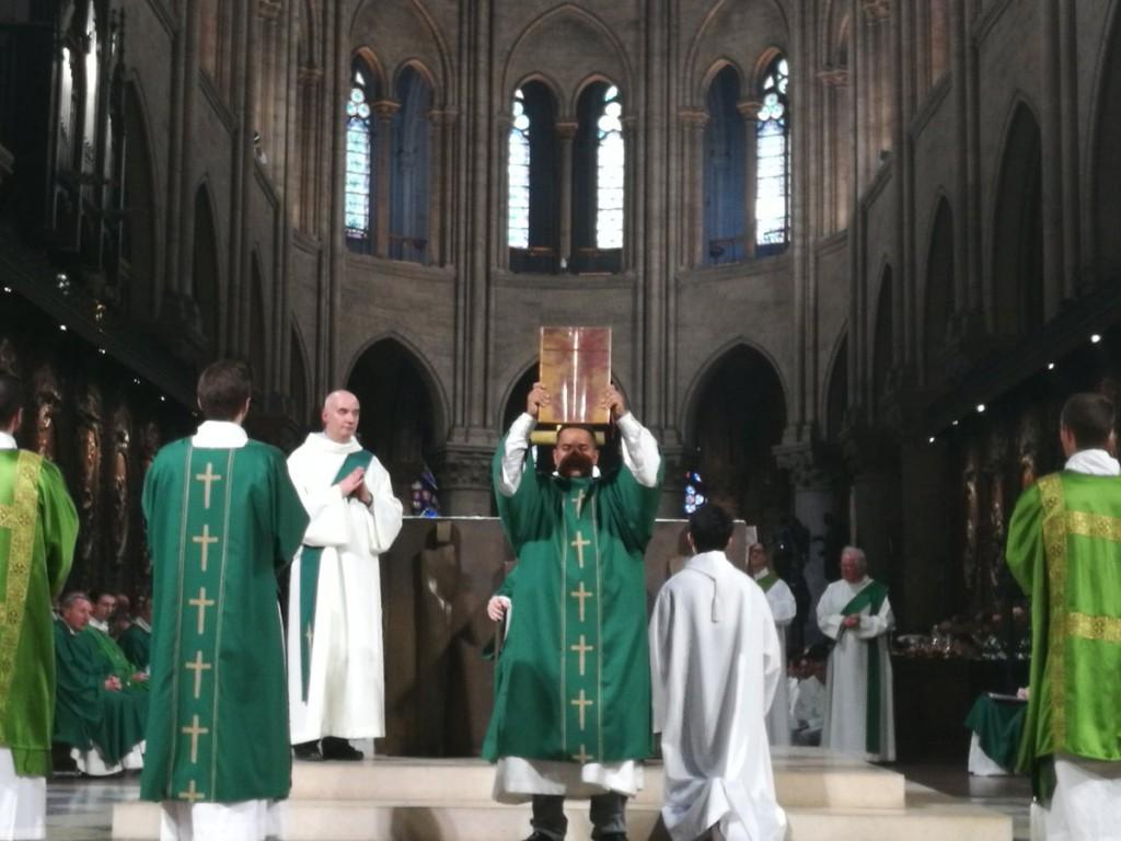Soane Malivao a été ordonné à Notre-Dame de Paris en 2016