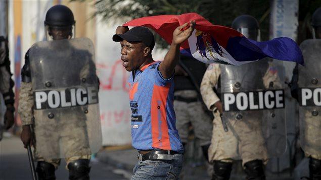 Manifestation de l'opposition haïtienne au lendemain des révélations de fraudes électorales ©Andres Martinez Casares / Reuters