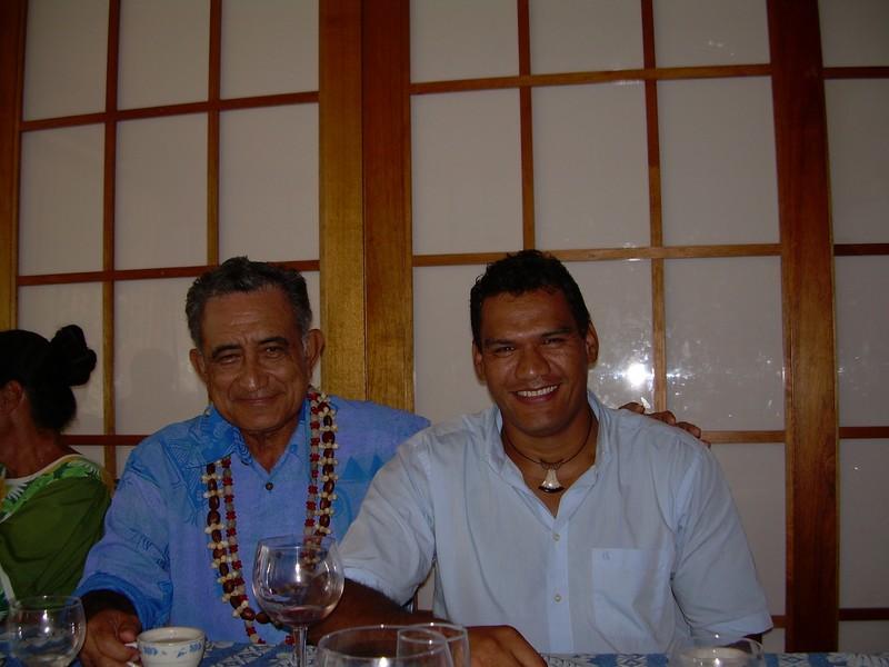 Tauhiti Nena et son mentor politique, l'indépendantiste Oscar Temaru, de qui il se sépare ©DR
