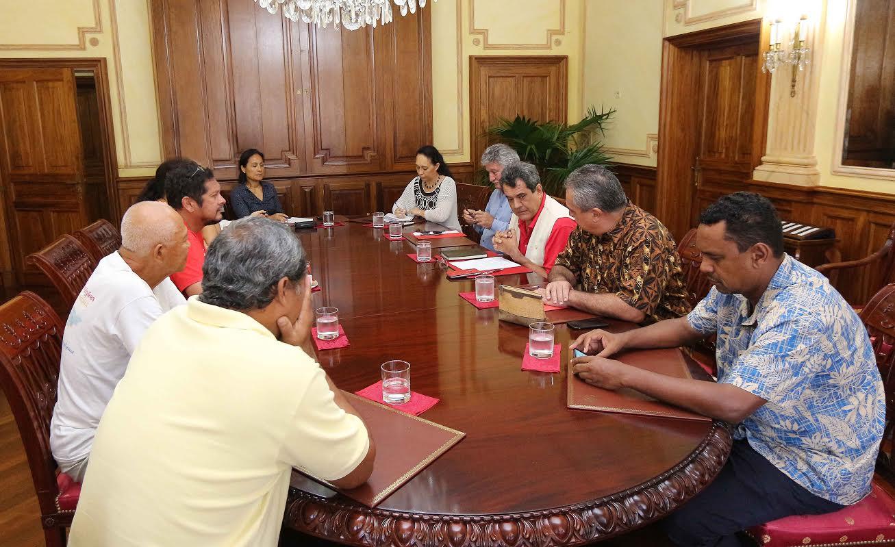 Les membres de l'association 193 en entretien avec quelques membres du gouvernement polynésien et le Président Edouard Fritch ©Tahiti-infos