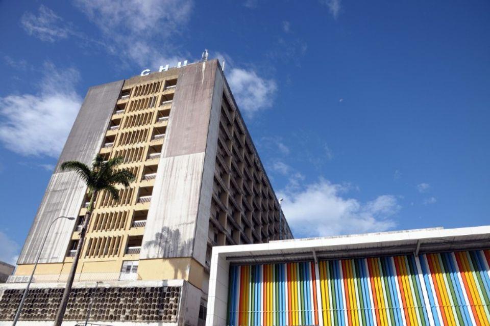 Le CHU de Guadeloupe se dotera prochainement d'un nouvel appareil ECMO et reçoit du matériel de la Guyane