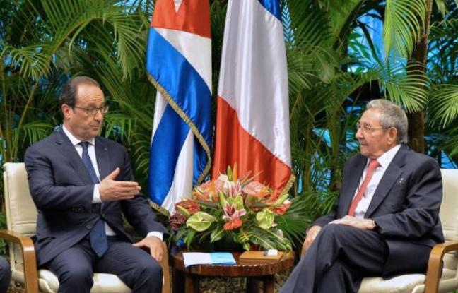 Raul Castro et François Hollande, le 11 mai 2015, à La Havane ©Adalberto Roque / AFP