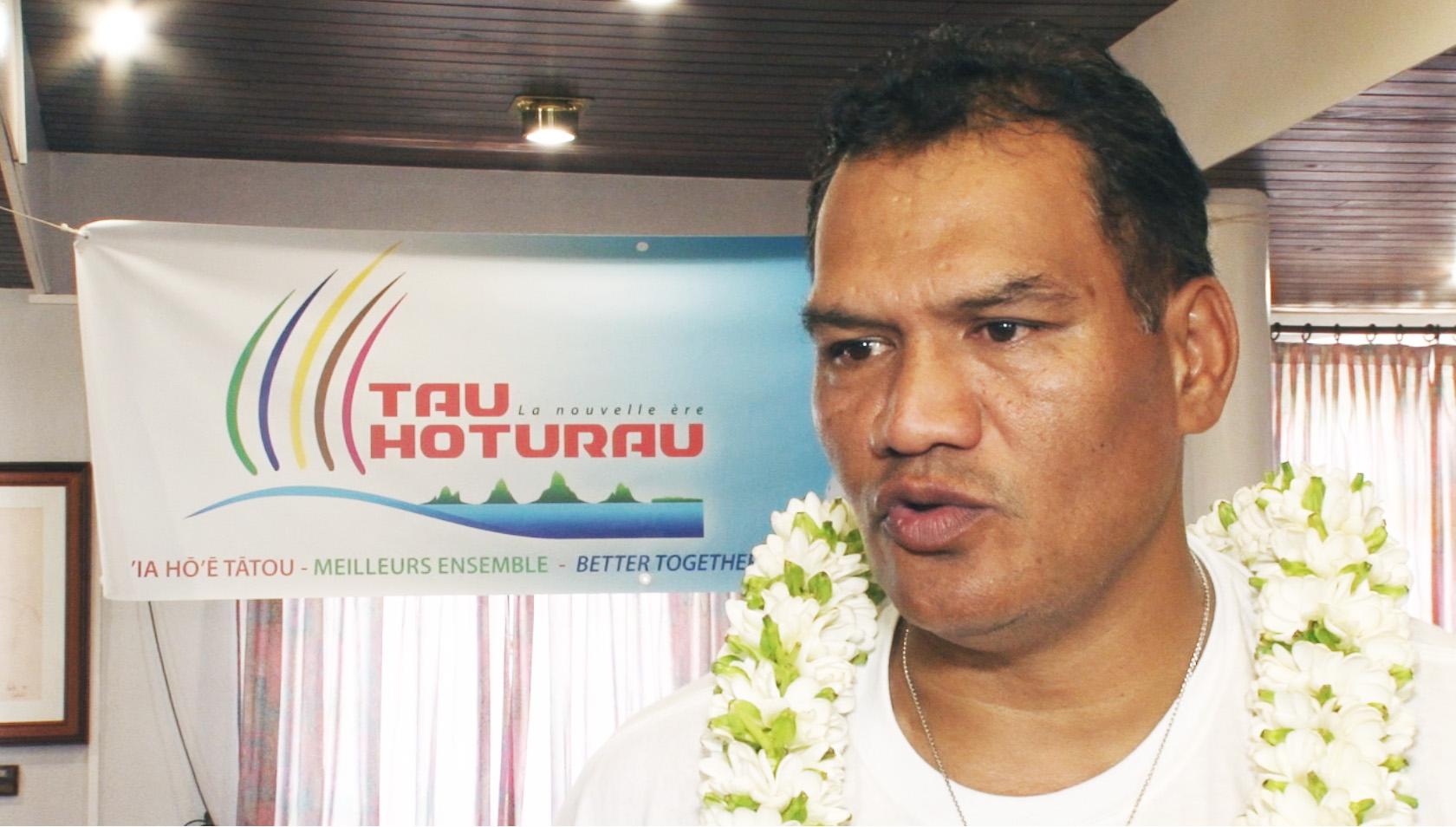 La semaine dernière, Tauhiti Nena a annoncé la création de son parti Tau Hoturau. Une annonce largement médiatisée et qui semble recevoir des avis positifs dans l'opinion publique polynésienne ©TNTV