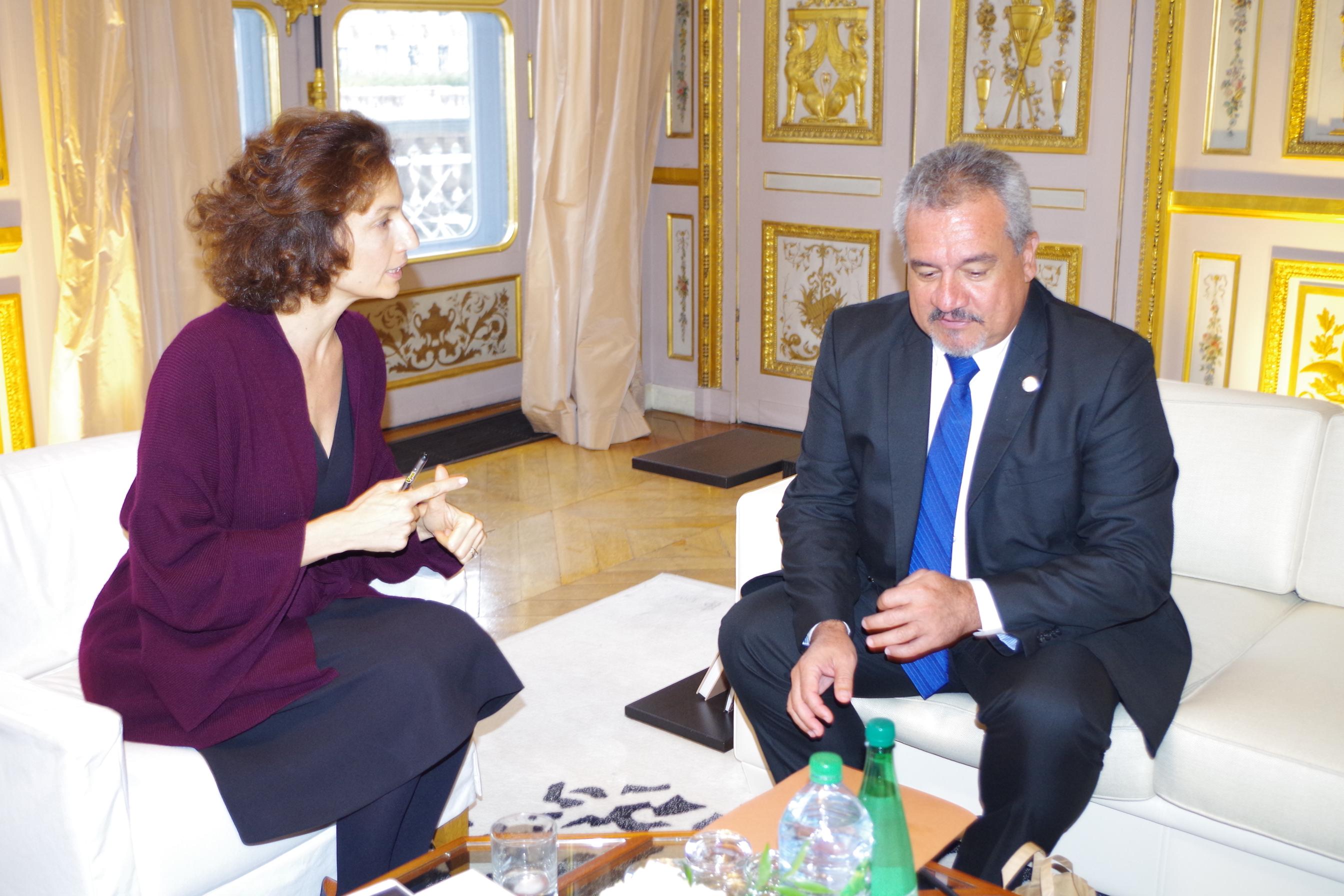 Heremoana Maamaatuaiahutapu a rencontré la ministre de la Culture Audrey Azoulay ce lundi 24 octobre ©Délégation de la Polynésie française