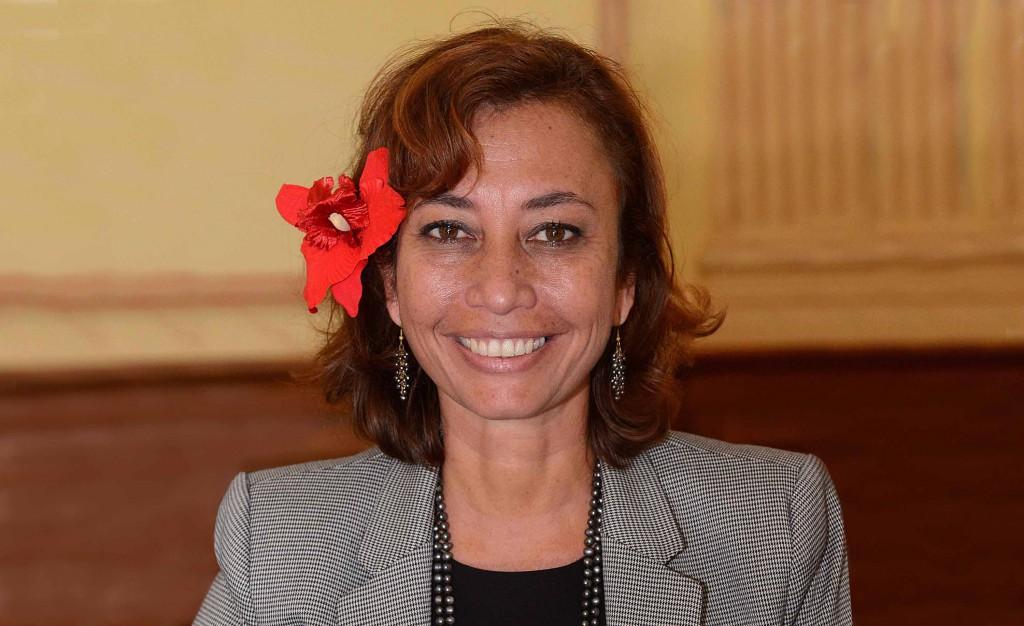Nicole Sanquer, ministre de l'Education, candidate Tapurz Huira'atira pour la 2ème circonscription