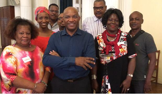 Henri Salomon (au centre), président de la chambre de métiers et de l'artisanat de la Martinique © Facebook