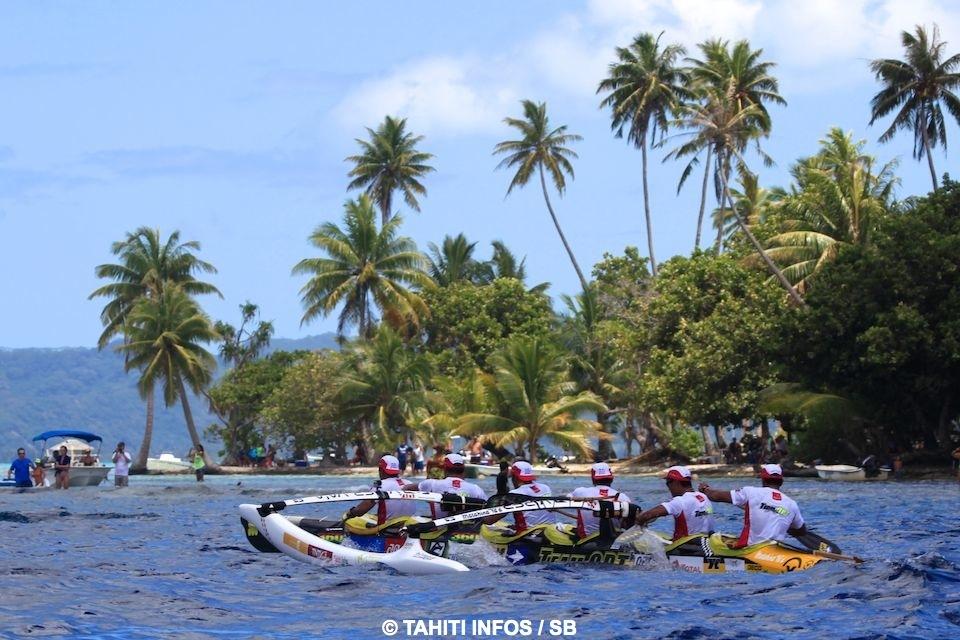 Malgré qu'ils soient entrés en premier dans le lagon de Raiatea, les rameurs de la Team OPT B ont été devancé par EDT Va'a à l'arrivée ©SB / Tahiti-infos
