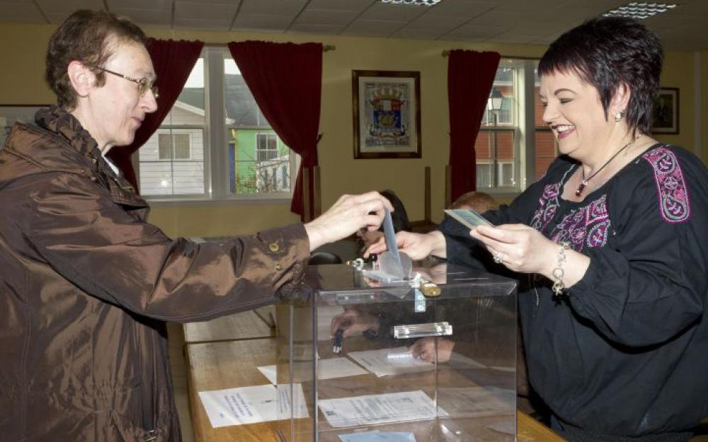 Les Saint-Pierrais et Miquelonais sont les premiers à se rendre aux urnes pour cette primaire de la droite et du centre, et comme à chaque scrutin national (photo d'illustration) ©Jean-Christophe L'Espagnol / AFP