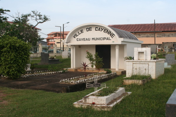 Le cimetière de Cayenne