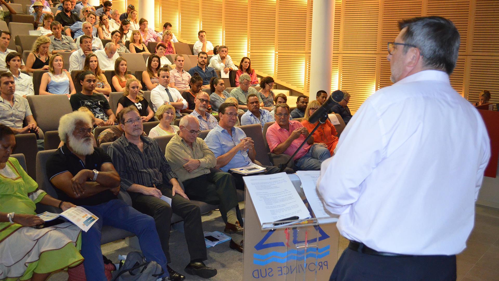Le Président du gouvernement de la Nouvelle-Calédonie, Philippe Germain, a présenté les grandes lignes de la stratégie touristique calédonienne ©Gouv.nc
