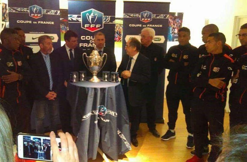 Les joueurs de l'AS Excelsior ont été reçus par Noël Le Graët à la FFF ce jeudi 5 janvier ©DR