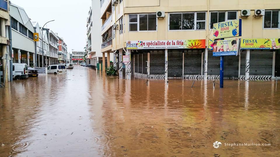 La ville de Papeete, poumon économique et capitale de la Polynésie française, sous les eaux le dimanche 22 janvier ©Stéphane Mailion