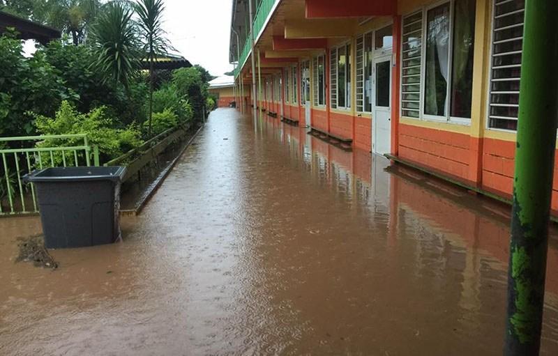 Cinq établissements scolaires sont encore fermés ce vendredi. Ici l'école Fariimata, qui a réouvert cette semaine, dans le quartier de la Mission à Papeete ©Radio 1 Tahiti