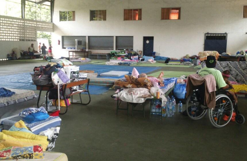 Des centaines de familles ont trouvé refuges dans des salles paroissiales ©Radio 1 Tahiti