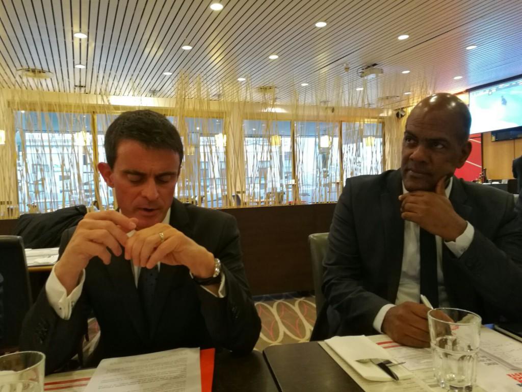 Manuel Valls lors de la présentation de son programme à Paris© Outremers 360
