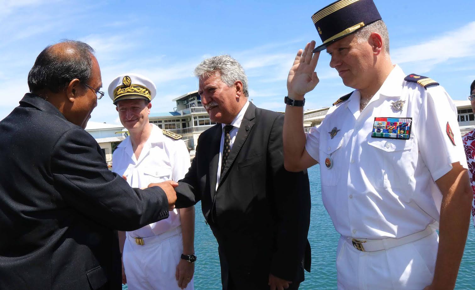 Taneti Maamau a d'abord été accueilli par le porte-parole du gouvernement polynésien Jean-Christophe Bouissou ©Présidence de la Polynésie française