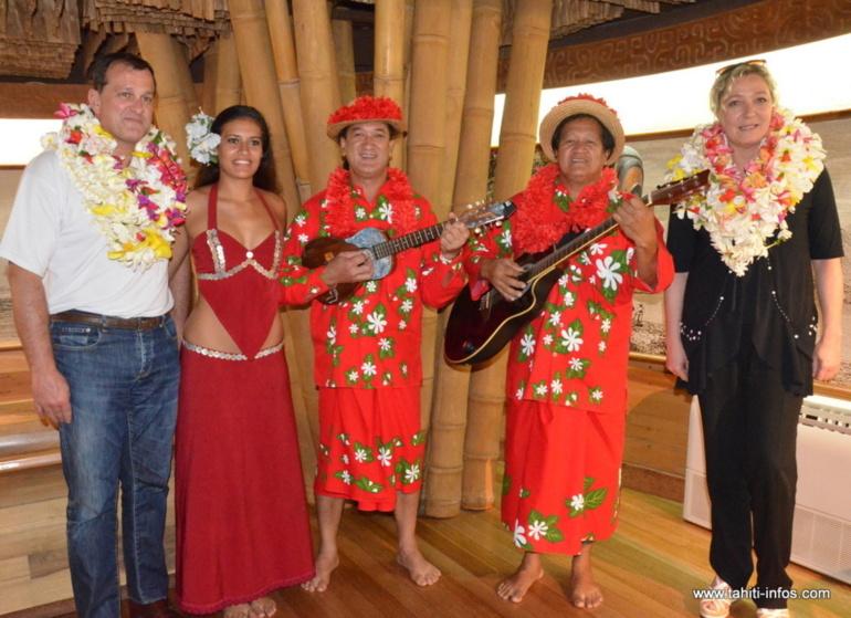Marine Le Pen et Louis Alliot à leur arrivée en Polynésie française en mars 2013 ©Tahiti-infos