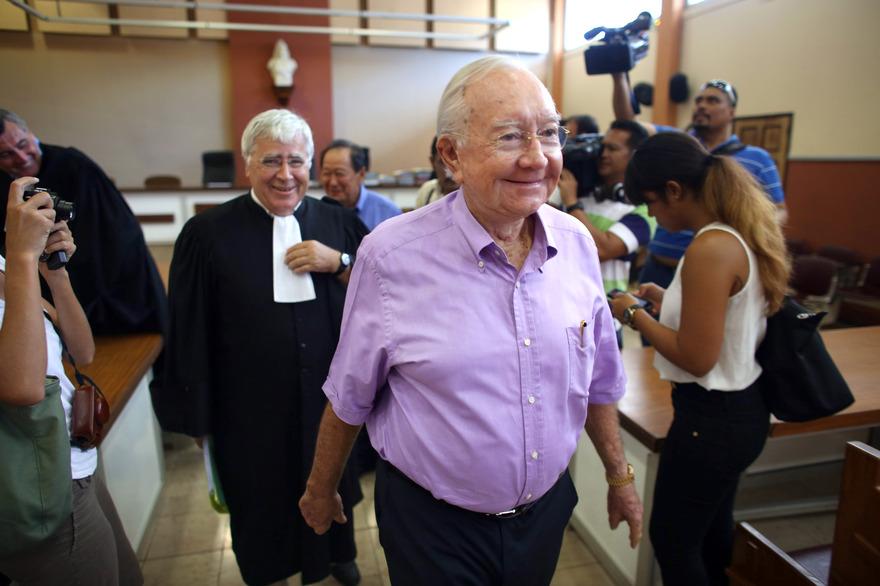 Gaston Flosse quitte le tribunal de Papeete (Archives Jan. 2014) ©Gregory Boissy / AFP